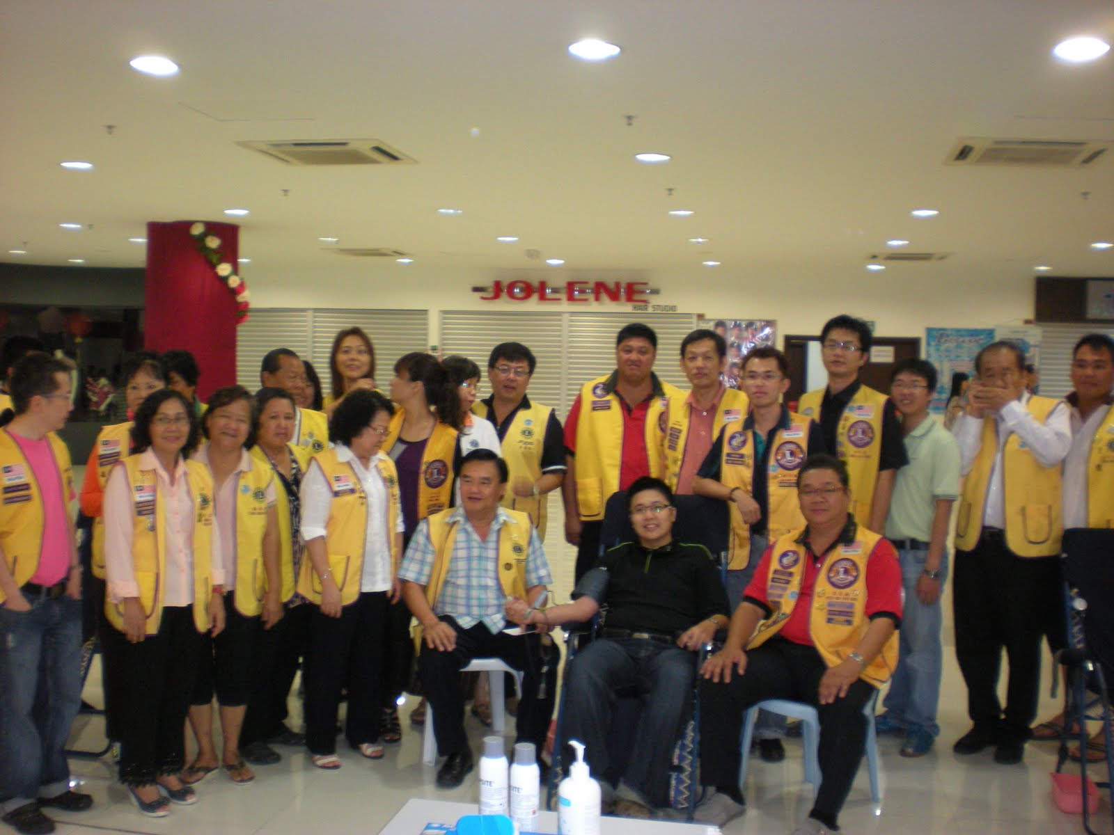 Group photos with other lions clubs during the caign