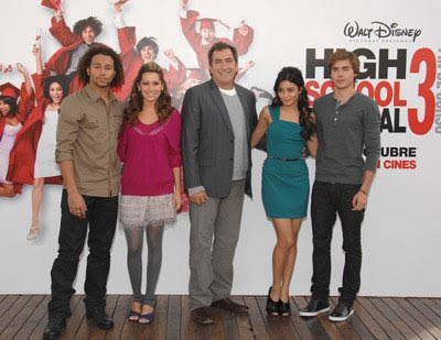 vanessa hudgens and zac efron hsm. Vanessa Hudgens and Zac Efron