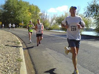 Go CoolRunner! Rob #174 about to pass Tim #190 - 2k to go in the Canberra Marathon