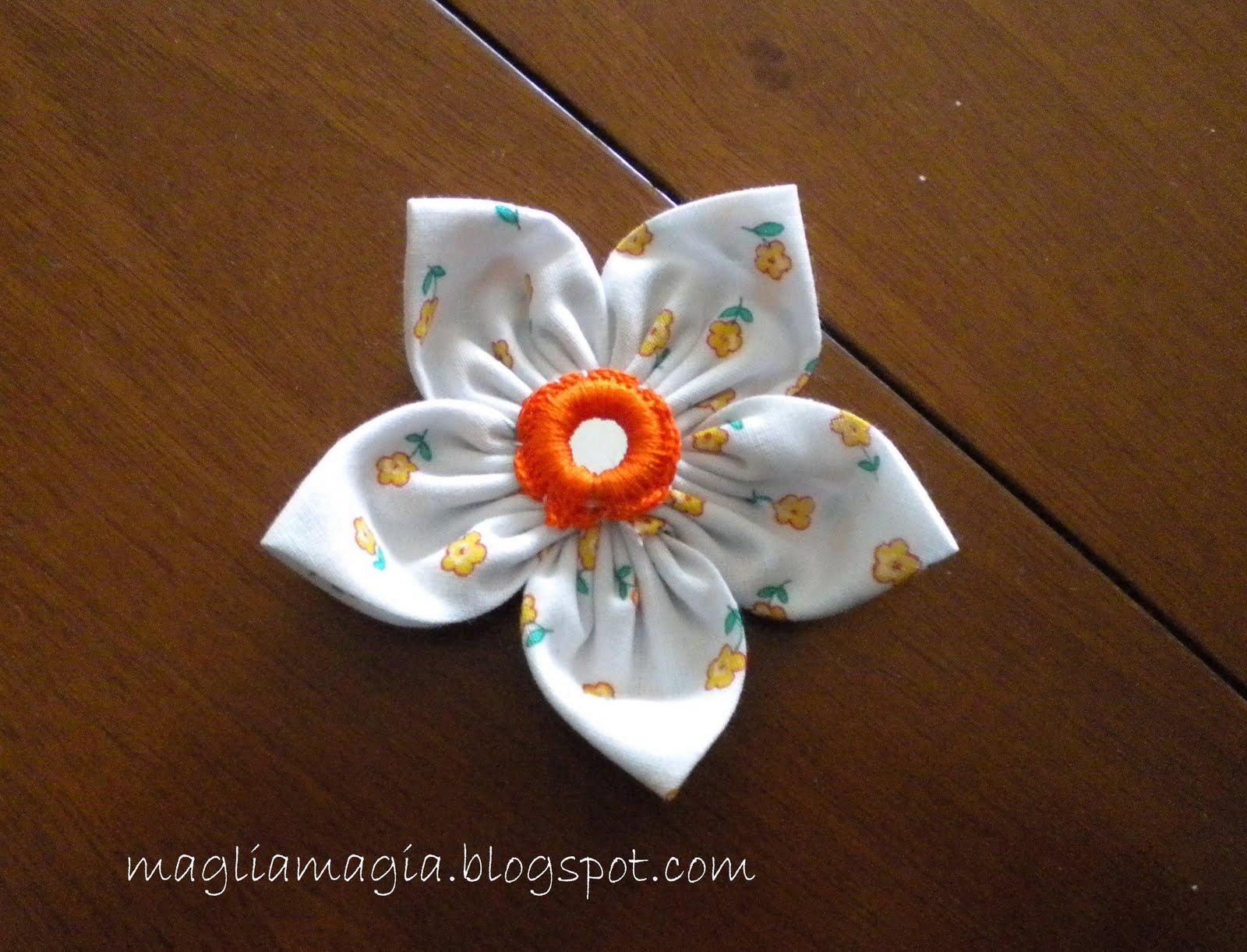 Magliamagia fiori di stoffa tutorial for Tutorial fermaporta di stoffa
