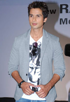 shahid kapoor in new look body  Shahid Kapoor purchasing a ...