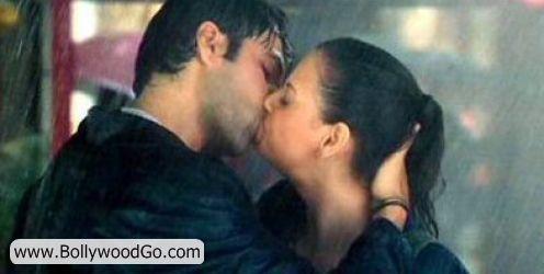 http://3.bp.blogspot.com/_uJ-SDPxtYh8/TMsAswiCJKI/AAAAAAAALDM/2DPjj0QsRRI/s1600/Diya+Mirza+and+Imran+Hashmi+Kiss.jpg
