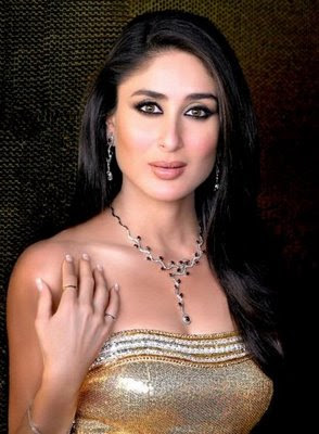 Kareena Kapoor in designer Diamond set from Gitanjali