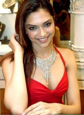 Bollywood actress deepika padukone in Designer Diamond Jewellery