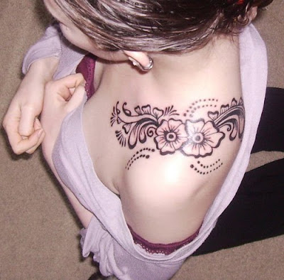 Flower Tattoo Design on Girls Shoulder - Feminine Tattoo