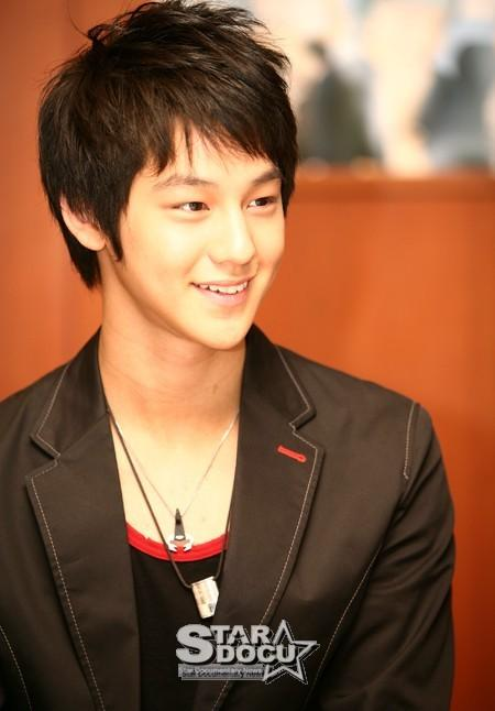 hairstyle korean for men