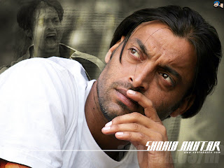 Pakistani Fast Bowler Shoaib Akhtar Hairstyle Pictures