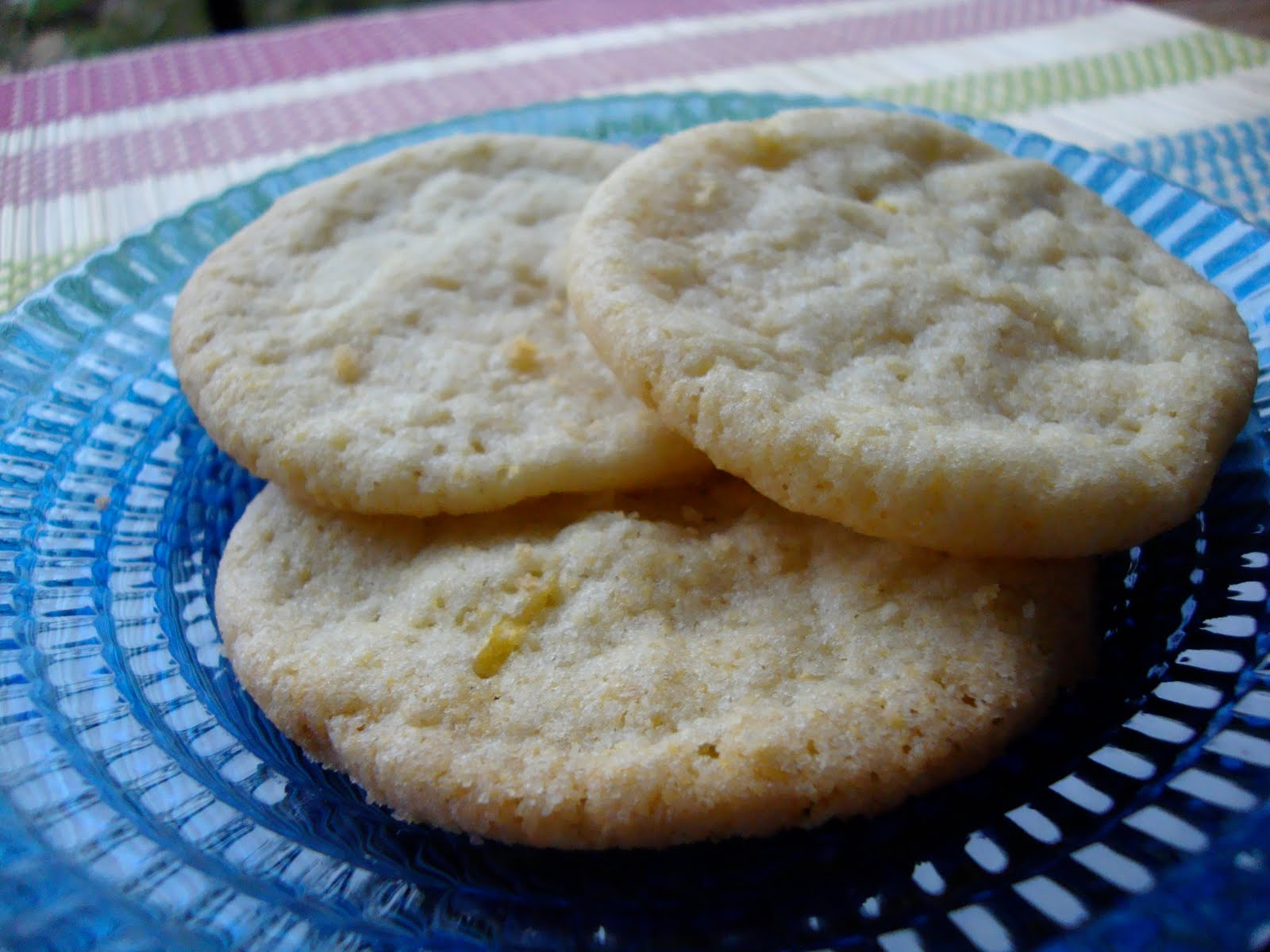 Me, Myself & Pie: Lemon Cornmeal Cookies