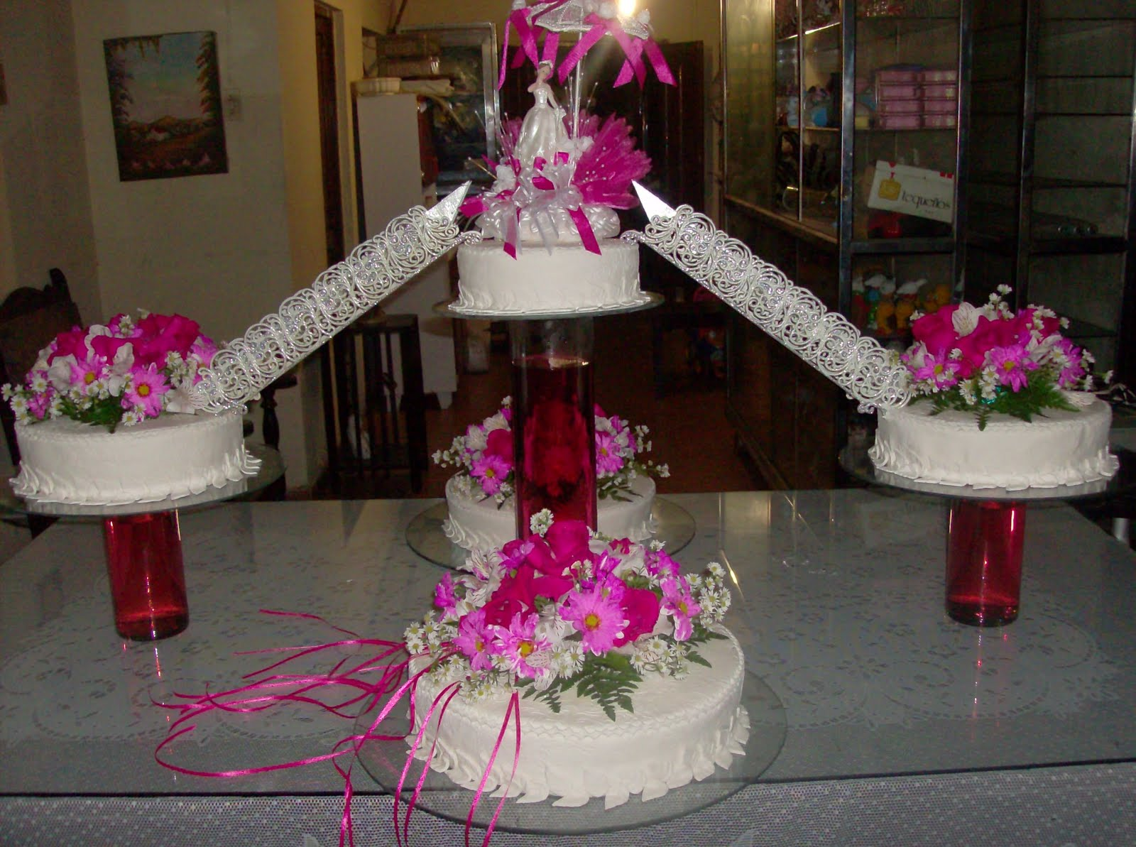 Para los pasteles de 15 anos new style for 2016 2017 for Decoracion quince anos