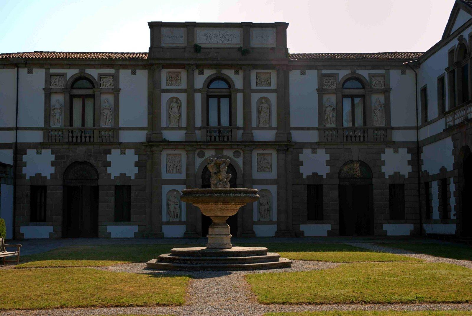 facciata di Villa Duodo, foto mariselene