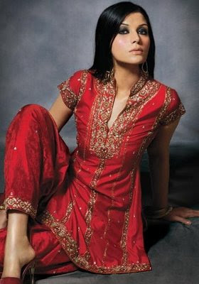 http://3.bp.blogspot.com/_uMuIGJajfdg/S-xJaV7fX4I/AAAAAAAAErs/y3L5HugYaIc/s400/party_wear_designer_salwar_kameez_collection+3.jpg