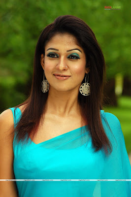 Nayantara in blue plain saree