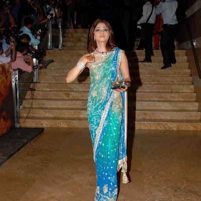 Shamita Shetty gorgeous in Blue designer saree