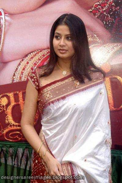 Hot Tollywood Actress Sangeetha in Silk Saree