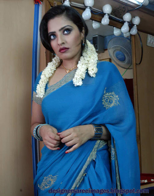 Mumtaz Tamil Actress in Blue Saree