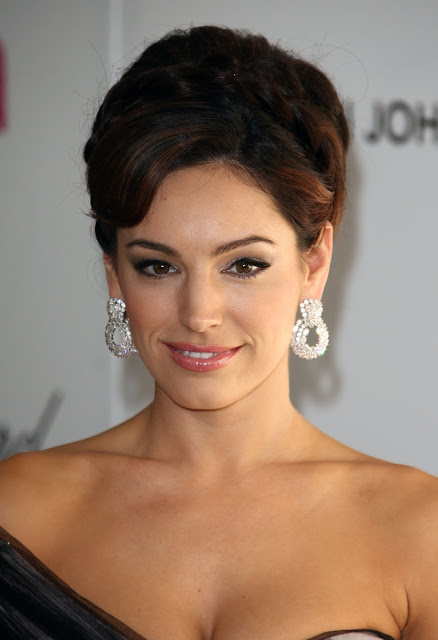 Kelly Brook in One Shoulder Designer Dress
