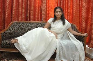 Actress Sairabanu in plain White Saree Pictures