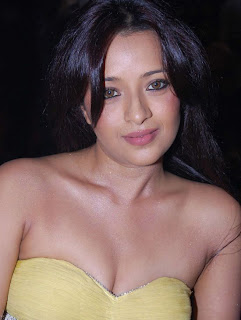 Actress Reema Sen in Yellow Dress Pictures