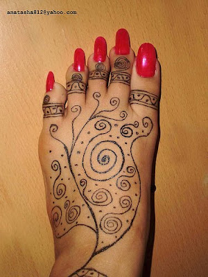 henna tattoo designs foot. Choosing bigger and darker henna tattoo designs may cause extreme allergic