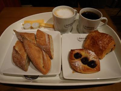 バゲットとクロワッサン系の菓子パン
