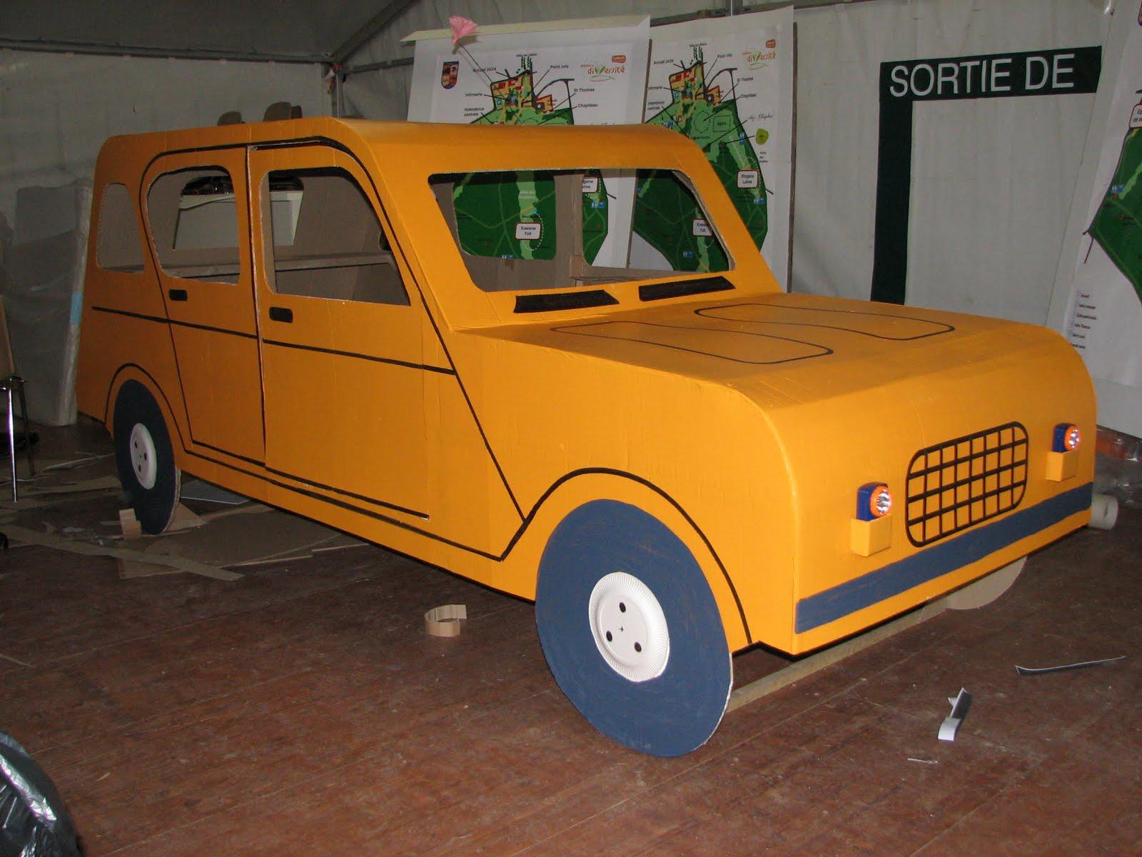 Carton bricolage d coration voiture 4l en carton for Construire sa voiture