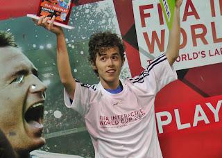 Colombiano leva título latino-americano no 'Fifa 10'