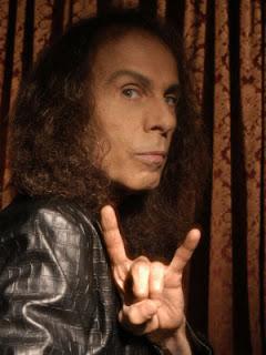Ronnie James Dio morre aos 67 anos