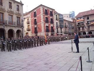 Carlos Martínez, Alcalde de la ciudad de Soria se dirige al Regimiento y a los sorianos que siguen los actos