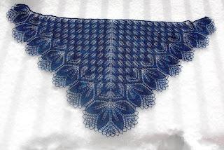 Харуни - треугольная шаль слегка серповидной формы.  Название Харуни в переводе с квенья (эльфийского языка в...