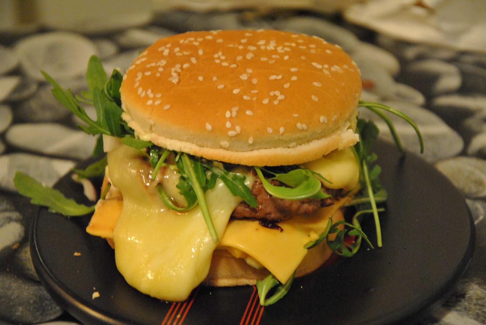 tambouille et bagatelle hamburger maison p 39 tit clin d 39 oeil jojo. Black Bedroom Furniture Sets. Home Design Ideas