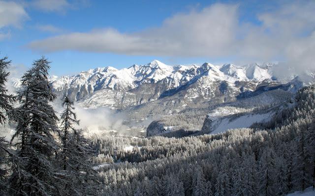 Snowy Mountain winter wallpaper