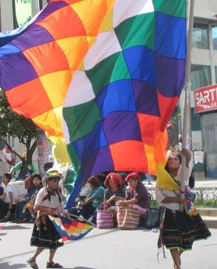 http://3.bp.blogspot.com/_uTzaHHuO9bE/S-H-AL2DbnI/AAAAAAAAC0o/0Pu1gEqfpw0/s400/bandera+wiphala.jpg