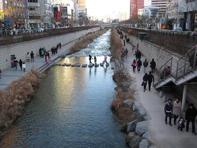 Cheonggye Stream, a pet project of Mayor Lee
