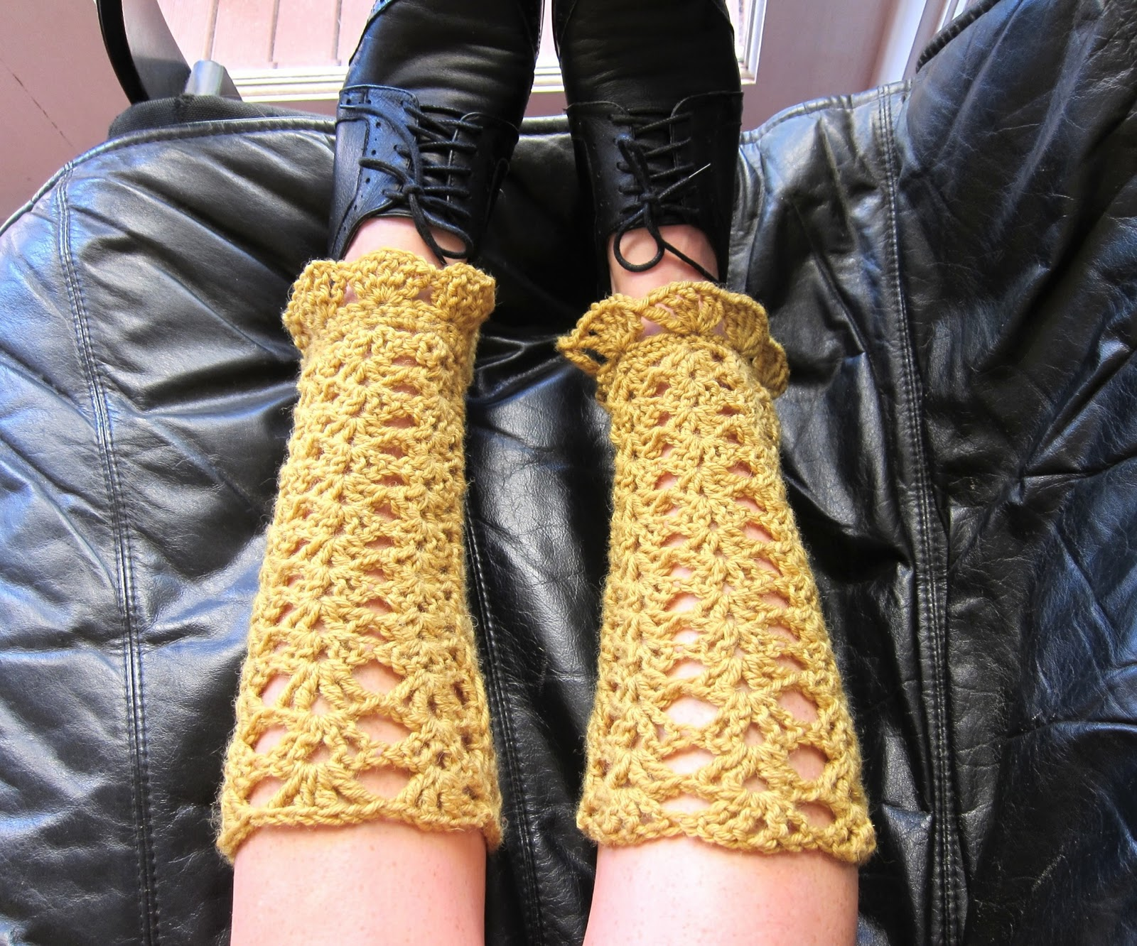 Free Crochet Pattern Thigh High Leg Warmers : Crochet Legwarmers Pattern Free Patterns For Crochet