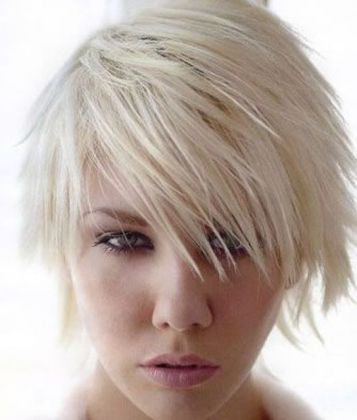 side fringe hairstyles 2009. Short side-swept bangs spice up