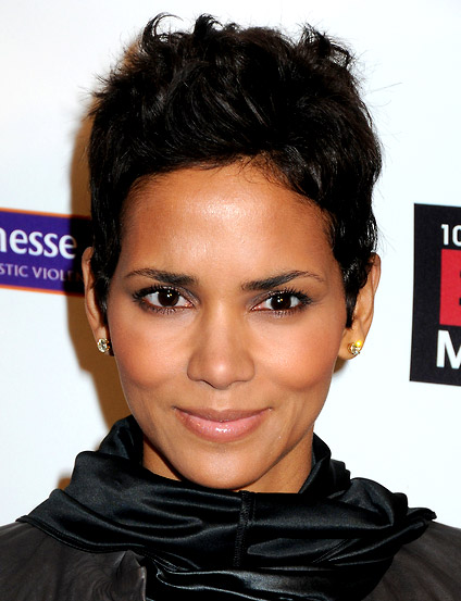 http://3.bp.blogspot.com/_uUR1DUyvNT4/TOgElVXSAMI/AAAAAAAABUY/zZgF3e3uk6Y/s1600/Popular-Best-Short-Haircuts-from-Halle-Berry.jpg