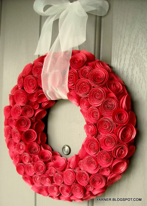 I M A Yarner Paper Rose Wreath