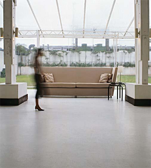 revestimento desta sala de estar é de concreto usinado