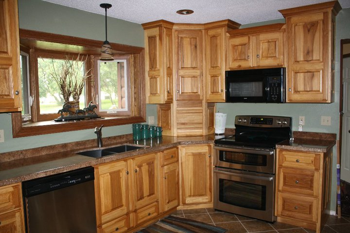 BACKER'S WOODWORKING: Hickory Cabinets with Granicrete ...