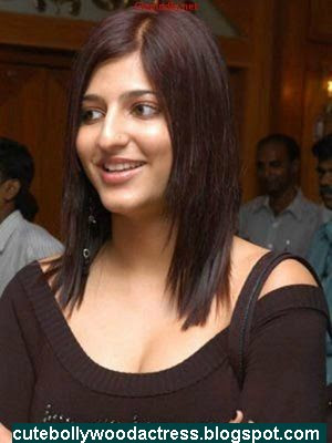 http://3.bp.blogspot.com/_uYTpXQH0Di4/SO0fvlFBhNI/AAAAAAAAAds/RE42tIPZFjI/s400/shruti_hassan_in_shruthi_hassan_lat.jpg