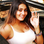 Namitha Refuses To Talk About Marriage