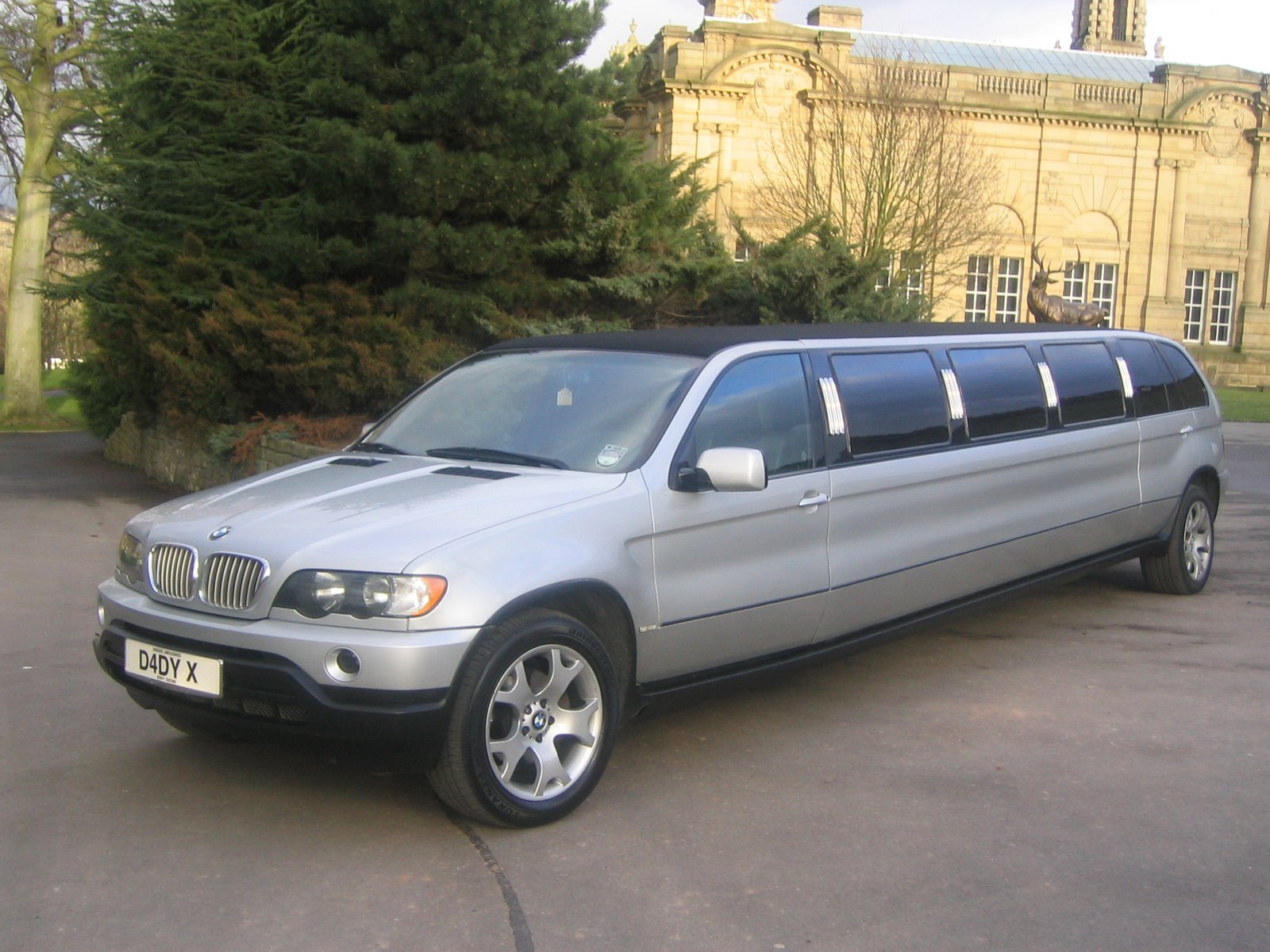 limousine car lincoln car