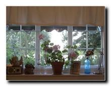 Kjøkkenvinduet vårt slik det var nå er det sånn, klikk på bildet.