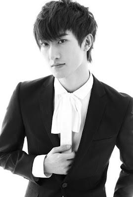 Biodata & Foto Super Junior Zhoumi