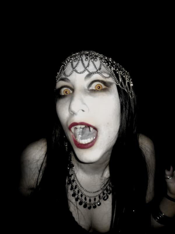 Series de ayer y hoy que MOLAN y truños como puños - Página 6 Vampiras_imagenes_05