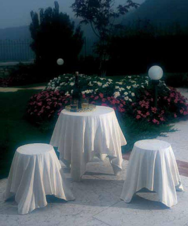 [magic+tablecloths.JPG]
