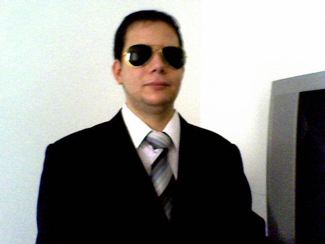 GATINHO CARIOCA PROFISSIONAL DE COMPUTADORES.