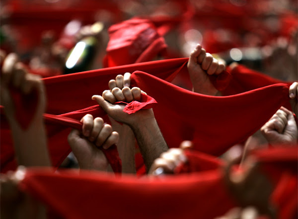 The Red Violin - Página 8 Panuelos_rojos