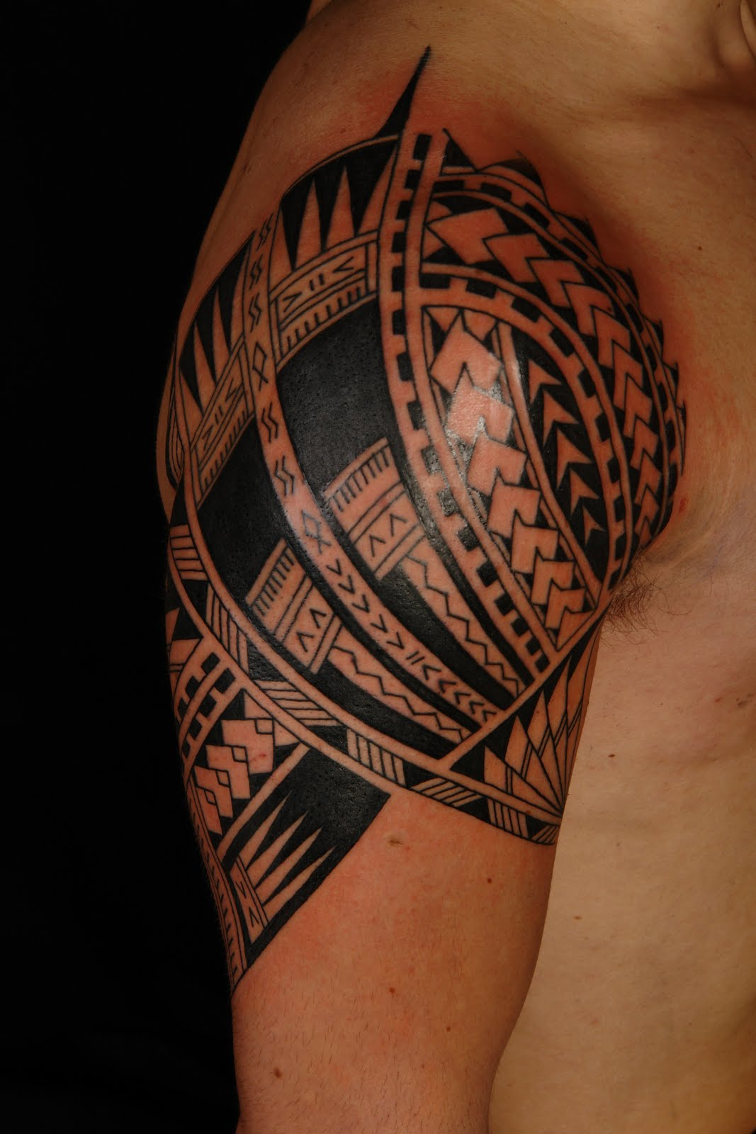 Polynesian Half Sleeve on Vini / 2nd session (to be continued)