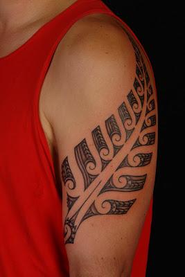 MAORI POLYNESIAN TATTOO: Maori Silver Fern Tattoo Design